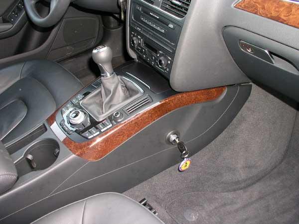 Válasszon autójába magas minőségű váltózárat